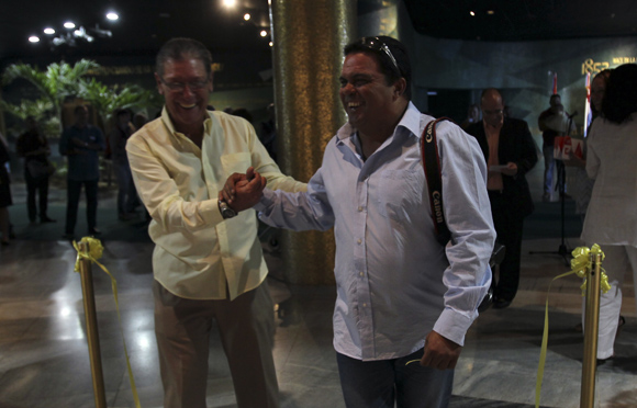Exposición dedicada a los 15 años del programa de la Televisión Mesa Redonda, que cumple 15 años. Foto: Ladyrene Pérez/ Cubadebate