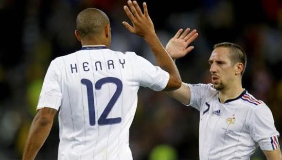 Henry y Ribery después del partido contra Uruguay en Sudáfrica-2010. Foto: Archivo.