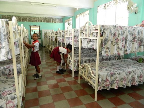 Los propios alumnos cuidan del orden y belleza de sus dormitorios. Foto: Susana Tesoro.