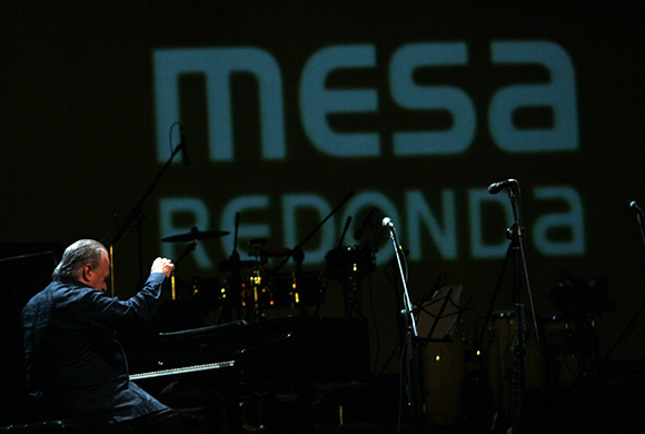 Frank Fernandez en Gala por el 15 Aniversario de la Mesa Redonda. Foto: Ismael Francisco/Cubadebate.