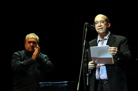 Randy Alonso en Gala por el 15 Aniversario de la Mesa Redonda. Foto: Ismael Francisco/Cubadebate.