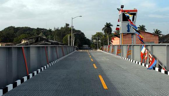 puente-hierro-giratorio-almendares-26122014-foto-carlos-serpa-maceira-00