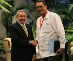 Raúl y Anthony durante el saludo Oficial a los Jefes de Estado. Foto: Ismael Francisco/Cubadebate.
