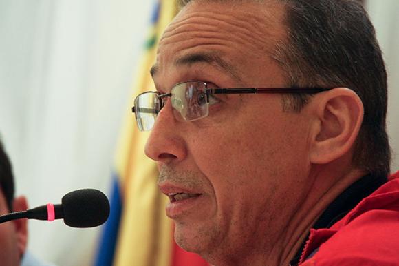 09 visita de los 5 a la embajada (Antonio González)