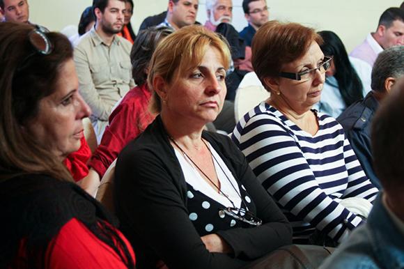 11 visita de los 5 a la embajada (familiares de los cinco)