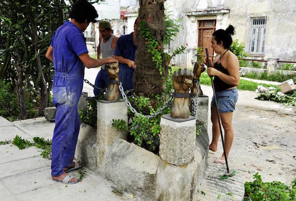 Obras de mantenimiento. Fotos Roberto Garaicoa Martínez.