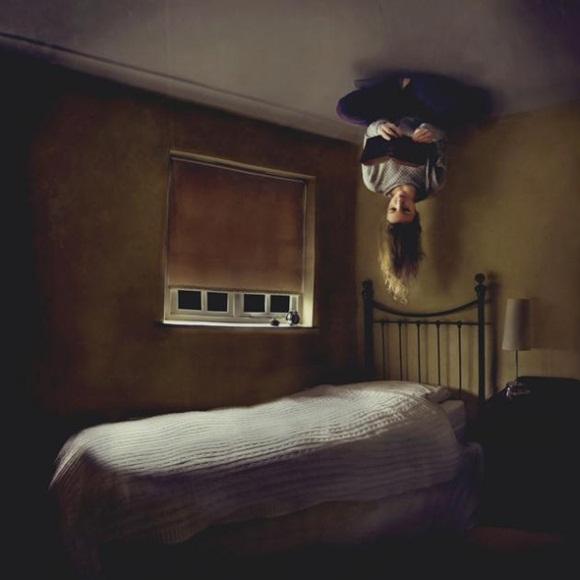 Esta fotografía lleva como título 'Books' y está realizada por Laura Williams, quien consigue crear un fantástico efecto que, sin duda, sorprende enormemente al espectador.