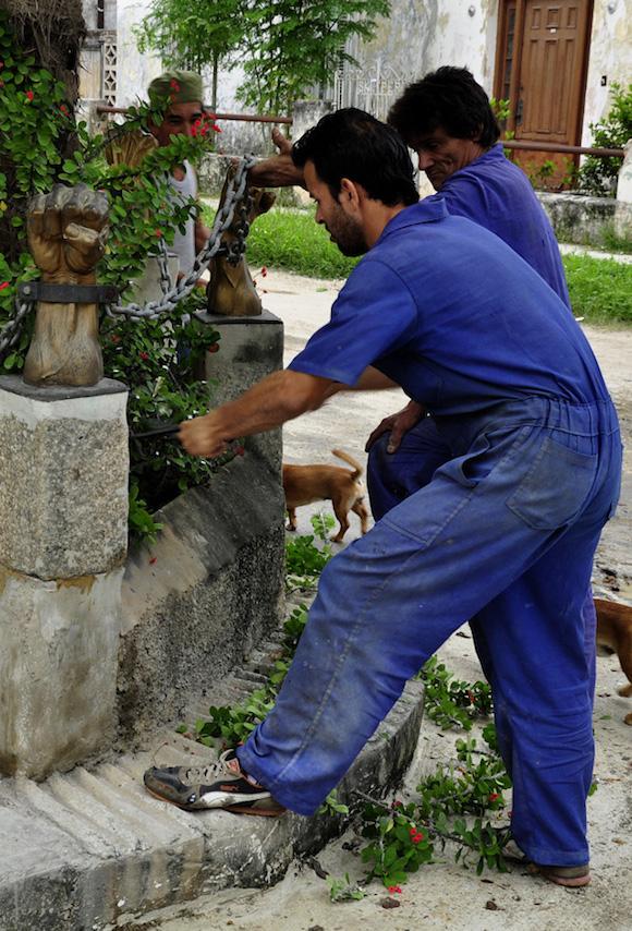 Obras de mantenimiento.. Fotos Roberto Garaicoa Martínez.