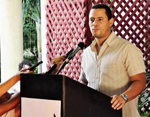 Entrega de Premios Socieción Cultural Jose Marti.