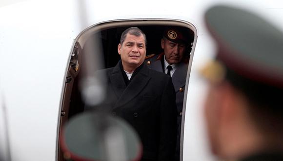 El Presidente Rafael Correa a su arribo a Beijing, China.