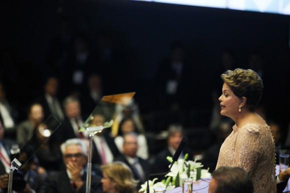 Dilma habla al tomar posesión por segunda vez