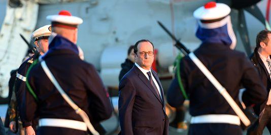 François Hollande ante las fuerzas armadas, 14 de enero de 2015. Foto: Anne Christine Poujoulat / AFP.