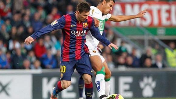 Messi contra el Elche. Foto EFE