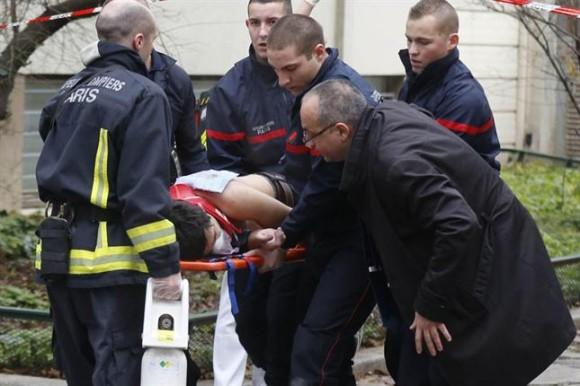 El diario Le Figaro bloqueó hoy todos los accesos a su sede en París, según reportó personal de redacción en la red social Twitter.