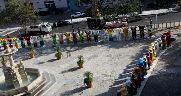 Cada escultura que integra el proyecto representa a un estado reconocido por la ONU. Foto: Ladyrene Pérez/ Cubadebate.