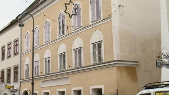 Saizburger Vorstadt 15: el primer hogar de quien luego retornaría como líder de todo el país. Foto: BBC Mundo