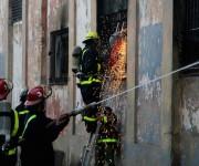 Incendio en el Almacén de picaduras de cigarros, en Lindero y Santa Marta, Centro Habana. Foto: Ismael Francisco/ Cubadebate