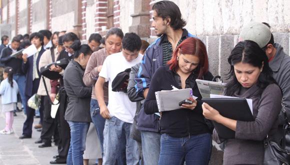 A los jóvenes cada vez les cuesta más insertarse en el mercado laboral