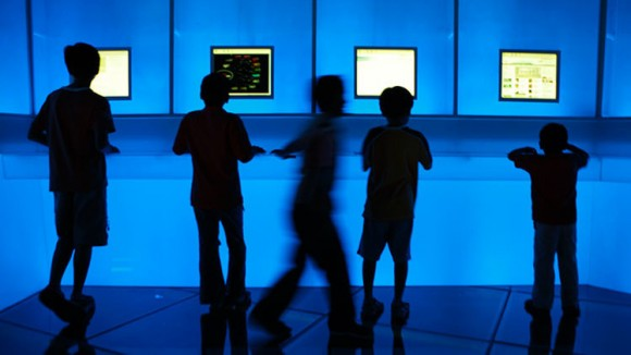 jovenes computadoras