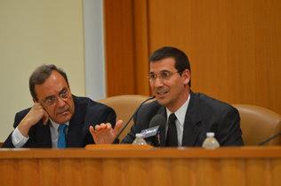 Rodiles junto a su profesor Carlos Alberto Montaner.