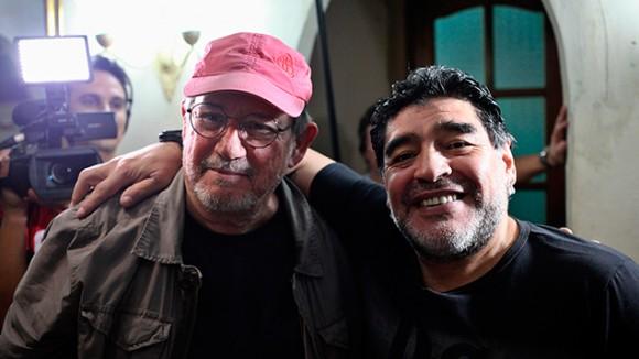 Silvio y Maradona. Foto: EFE.