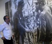 Antonio Guerrero Rodríguez , Héroe de la República de Cuba, visita el museo al Che en el Complejo Escultórico  Ernesto Guevara de la Serna, en Santa Clara, provincia Villa Clara, Cuba, 11 de enero de 2015.    AIN   FOTO/Arelys María ECHEVARRÍA RODRÍGUEZ
