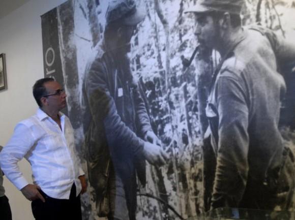 CUBA-VILLA CLARA-ANTONIO GUERRERO RINDE HOMENAJE AL CHE