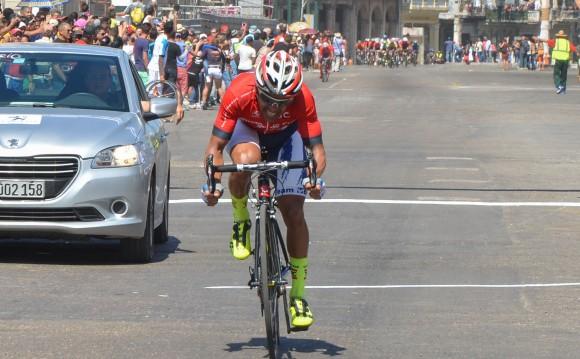 Llegada a La Habana, meta final del Clásico de Ciclismo Guantánamo-La Habana. Arnold Alcolea ganó la etapa final. Foto: Yander Zamora / Cubadebate