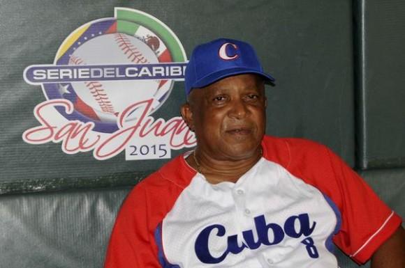 Alfonso Urquiola,  director técnico del equipo cubano, Vegueros de Pinar del Río, en la Serie del Caribe, brinda declaraciones a la prensa cubana, en San Juan, Puerto Rico, el 7 de febrero de 2015.   AIN FOTO/Roberto MOREJÓN RODRÍGUEZ/