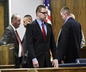El ex cabo de marines Eddie Ray Routh asiste a su juicio por homicidio premeditado en Stephenville, Texas, 24 de febrero de 2015. Foto: AP.