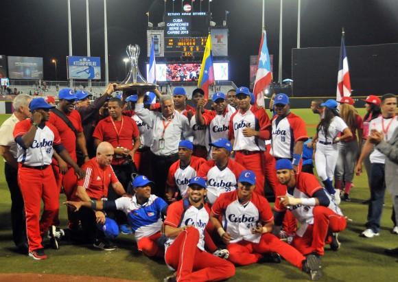 Presidente cubano Raúl Castro felicita a monarcas de Serie del Caribe