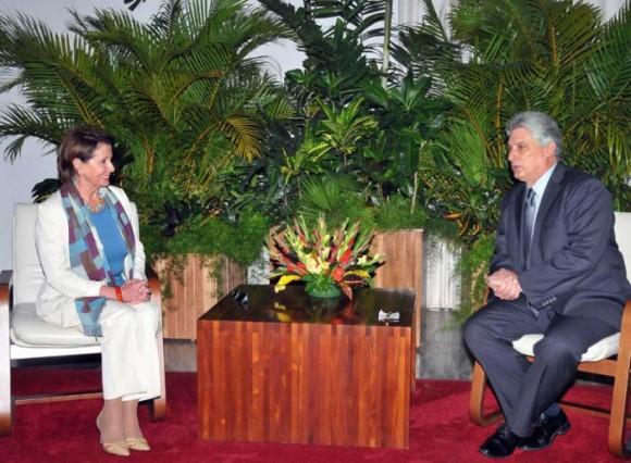 Miguel Díaz-Canel Bermúdez, Primer Vicepresidente cubano y la líder de la minoría demócrata en el Congreso de EEUU, Nancy Pelosi.