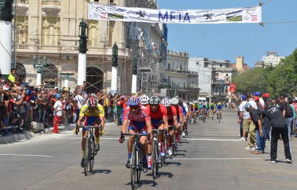 Meta Final del Clásico Nacional de Ciclismo. Foto: Yander Zamora / Cubadebate