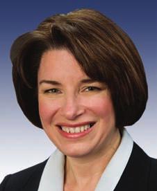 La Senadora Amy Klobuchar encabeza el grupo bipartidista que ha presentado al Congreso el proyecto de ley contra el bloqueo a Cuba.