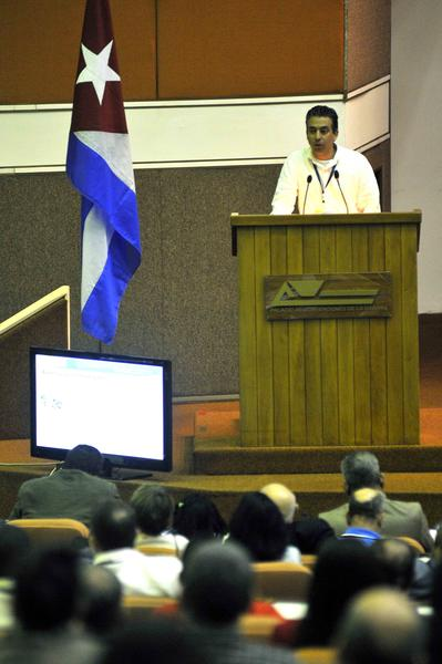 Intervención de Wilfredo González Vidal, Viceministro del Ministerio de las Comunicaciones, en el acto inaugural del  Primer Taller de Informatización y Ciberseguridad, celebrado en el Palacio de Convenciones, en La Habana, Cuba, el 18 de febrero de 2015. AIN FOTO/Abel ERNESTO