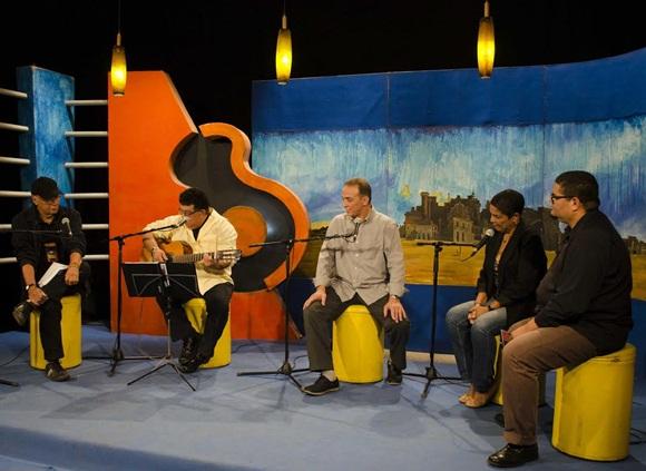 Víctor Casaus, Augusto Blanca, Antonio Guerrero, Marta Campos y Eduardo Sosa (de izquierda a derecha). Foto: Claudio Pelaez Sordo.