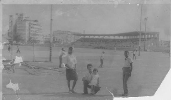 El antiguo Vedado Tenis Club a finales de la dácada del 60. Foto: Víctor Manuel Ramos Fernández / Cubadebate