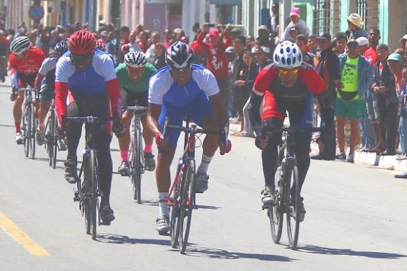 Los Viamontes hicieron el 1-2 de la etapa 10 del Clásico Nacional. foto: Otmaro Rodríguez / Cubadebate