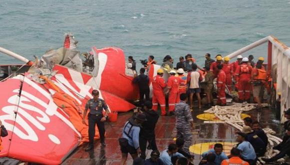 Hasta ahora, han sido recuperados 76 cuerpos de las 162 víctimas del aparato que se precipitó al mar en medio de una fuerte tormenta