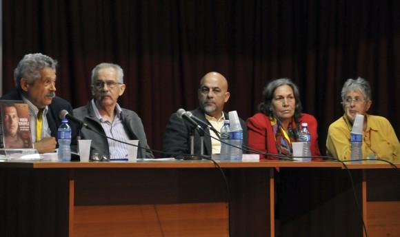 Presentan biografía de Hugo Chávez en Feria del Libro de La Habana (+ Video)
