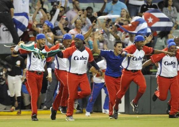 """Cubadebate dialoga con el Director Nacional de Béisbol: Queremos impulsar el béisbol cubano en todas sus esferas y categorías"""""""
