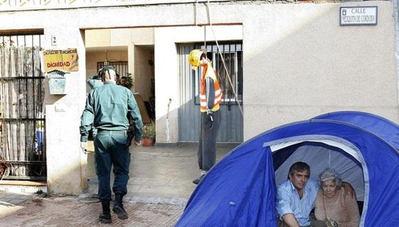 La Empresa Municipal de Vivienda y Suelo de Madrid ha demandado por una deuda acumulada de 5.057 euros a una anciana de más de 80 años, que se enfrenta ahora al desahucio.