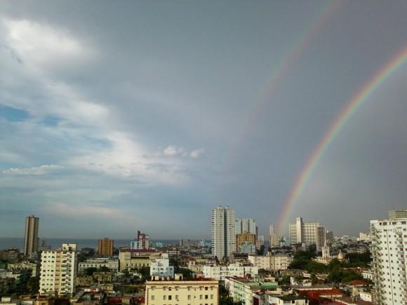doble arcoiris en la capital. foto Alejandro Torres