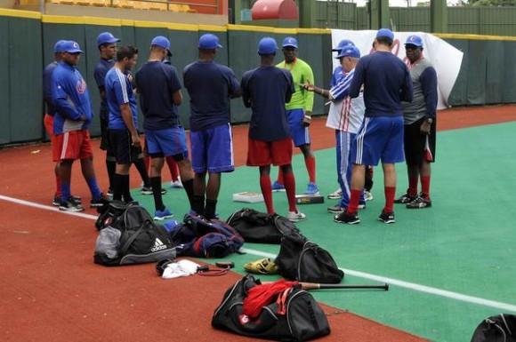 Lanzadores  del equipo Cuba de béisbol en el estadio Roberto Clemente en el municipio de Carolina, al este de San Juan, Puerto Rico, el 1 de febrero de 2015. AIN FOTO/Roberto MOREJON RODRIGUEZ / Cubadebate