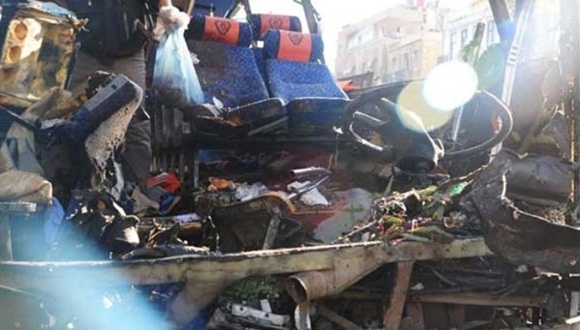 Un artefacto fue detonado en el interior de un autobús que se encontraba cercano a un mercado en el centro de la capital siria.