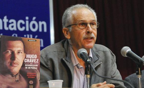 El libro Hugo Chávez y la resurrección de un pueblo, de Germán Sánchez Otero, fue presentado en la Sala Nicolás Guillén de la Fortaleza San Carlos de la Cabaña, esta tarde de viernes.