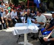 Félix Julio Alfonso, leyendo la presentación de libro. Foto: Ladyrene Pérez / Cubadebate,