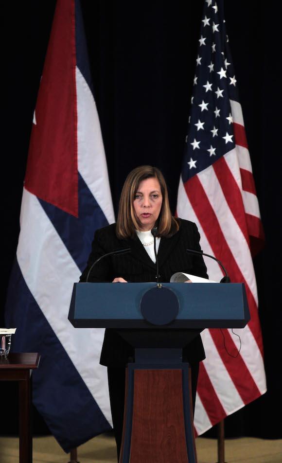 Josefina Vidal en la conferencia de prensa. Foto: Ismael Francisco/ Cubadebate