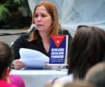 Rosa Miriam Elizalde, Premio de Periodismo Juan Gualberto Gómez a la obra del año en periodismo digital. En la imagen presenta el libro Revolución, Socialismo, Periodismo . Foto: Ladyrene Pérez/ Cubadebate