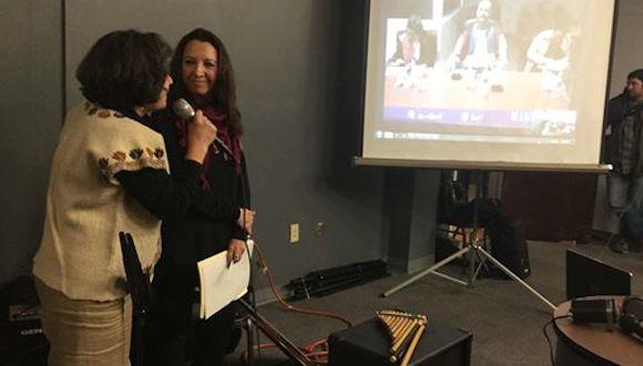 Sonia Umanzor y Alicia Jrapko, anoche, conversando desde Washington por Skype con Gerardo en La Habana. Foto: José Pertierra/ Facebook